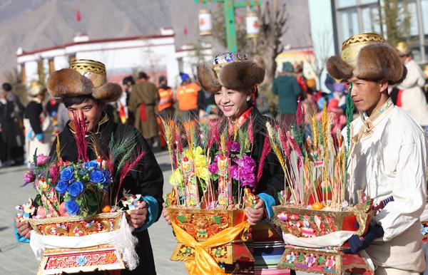 Tibetanos celebram duplo Ano Novo - Ano Novo Lunar